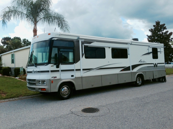 My 2001 Winnebago 35U